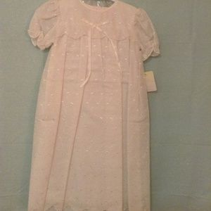 NWT Petit Ami 9 mo Hand Embroidered White Dress